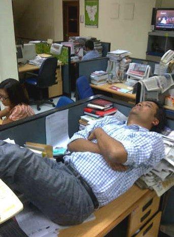 Budi Setyarso tidur